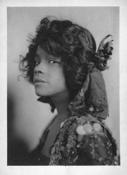 ZP_Aida Overton Walker in the all-black Broadway musical, In Dahomey, with lyrics by Paul Laurence Dunbar, 1903