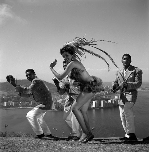 ZP_Carnaval in Rio de Janeiro_a 1950s glamour photograph  of professional revelers