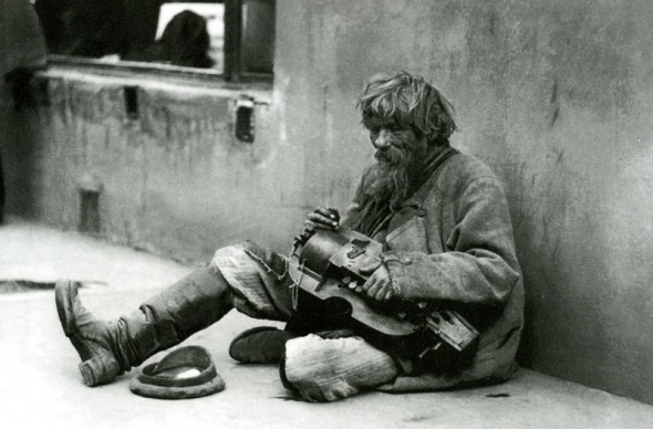 Beggar with a Lyra_Svishchev Paola early 1900s