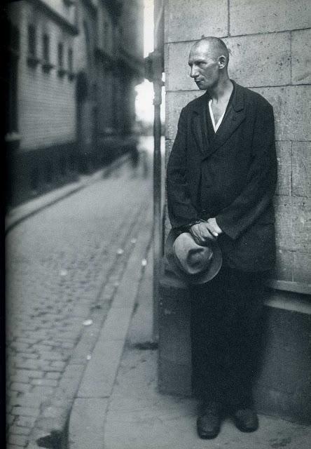 Beggar_August Sander_1920s