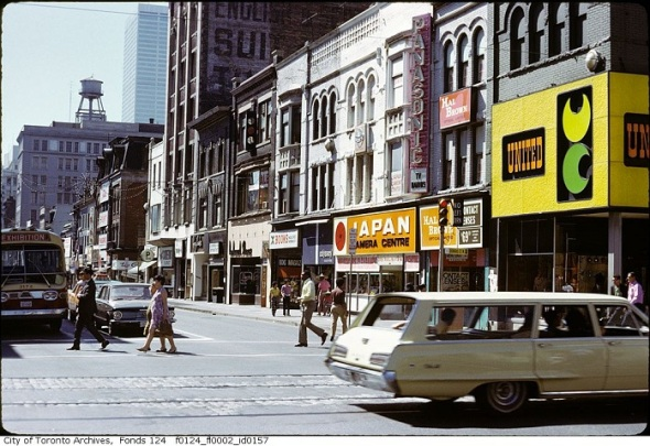 ZP_Corner of Yonge and Dundas, Toronto, 1972, looking south_The buildings on the right side were all demolished to make way for construction of The Eaton Centre which opened in 1977.