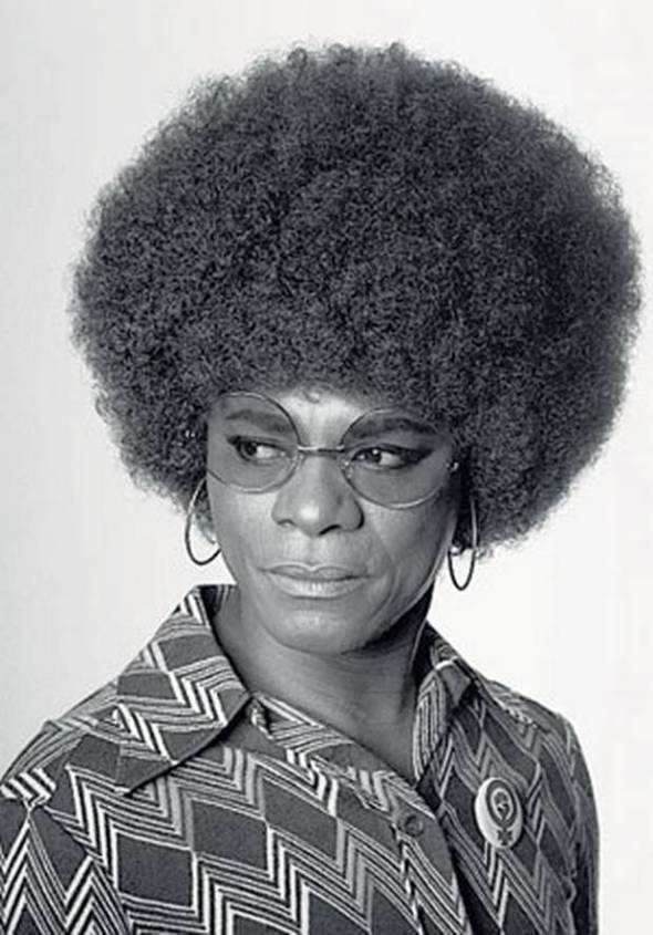 ZP_Samuel Fosso_From the series Autoportraits des années 70_Selfportrait as Angela Davis