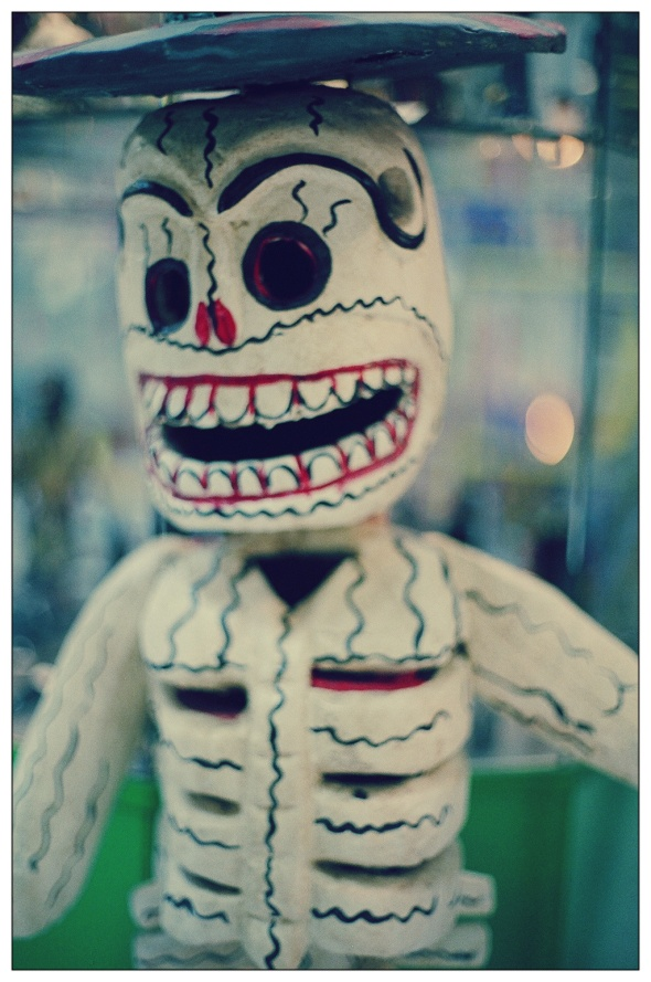 ZP_Mexican skeleton doll_Muñeco esqueleto mexicano