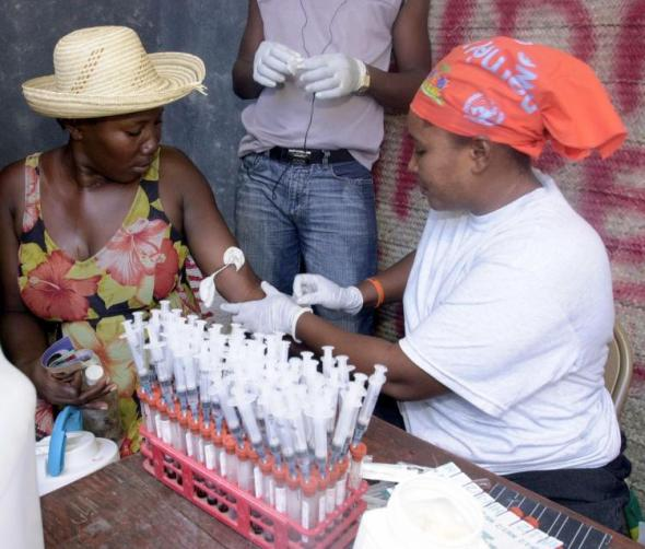 A Haitian woman takes the opportunity to be tested for HIV_Haiti_2007_photograph © Thony Belizaire
