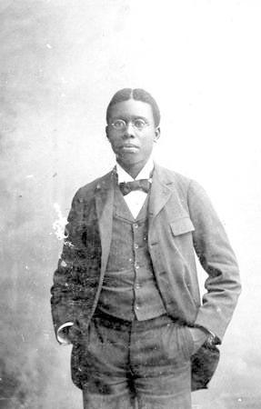 Paul Laurence Dunbar at age 19_1892
