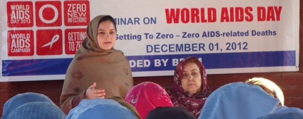 The International Medical Corps organized an advice and training programme for women at Mera Kachori Afghan Refugee Camp in Pakistan_December 2012