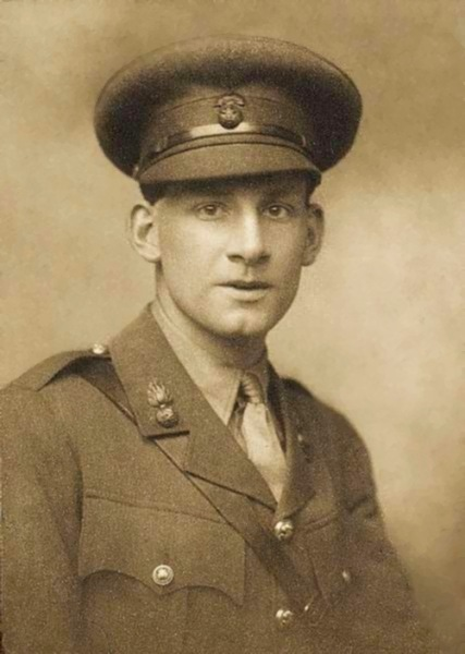 ZP_Siegfried Sassoon in 1915