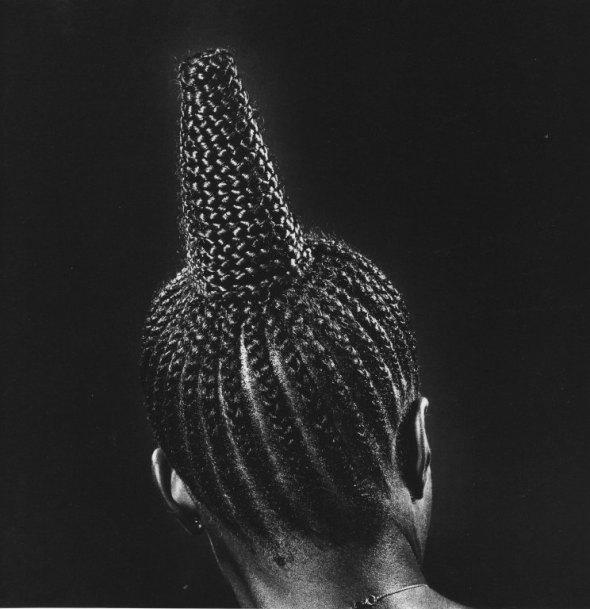 Okhai Ojeikere photographer_Modern Suku_1974