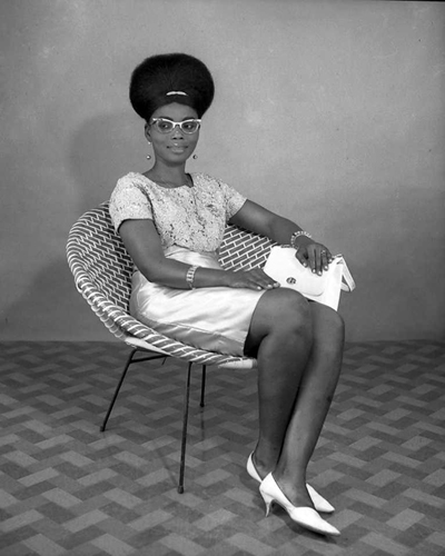 Okhai Ojeikere photographer_Untitled_1968_Nigeria
