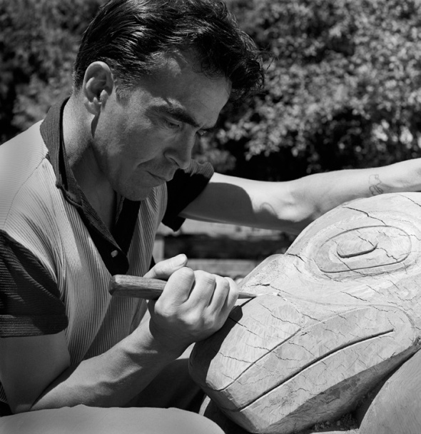 ZP_Doug Cranmer at work on a carving, 1961
