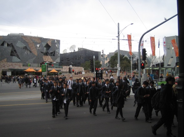 Melbourne_schoolchildren crossing from Federation Square to Flinders Street Station_September 2014