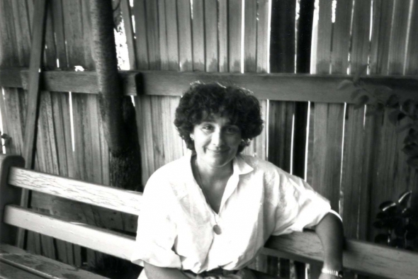 Olga Broumas in 1988_photograph by Lois Shelton