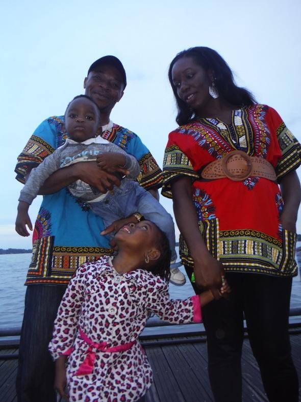 Une famille congolaise qui habite á Toronto...prête pour Le Festival Kompa Zouk Ontario 2015_02 août 2015