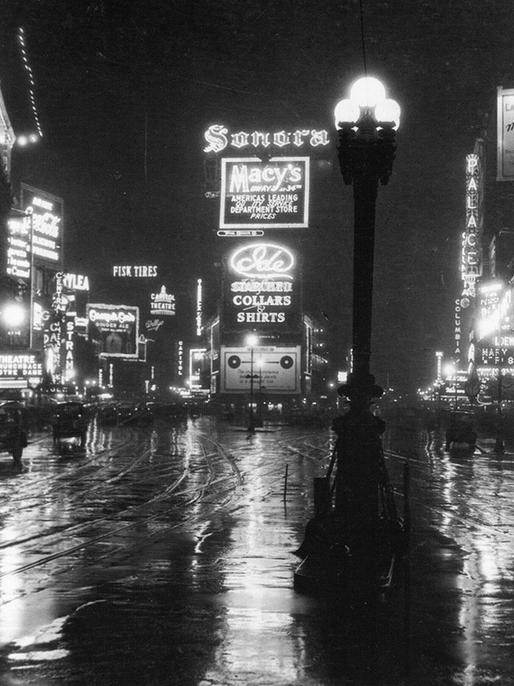 Times Square in Manhattan_photograph from 1922