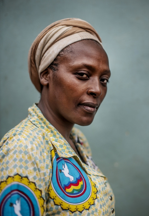 Activist Neema Namadamu_photoportrait by Peter Muller_ from Beauty in the Middle: Women of Congo Speak Out / Photoportrait de Neema Namadamu par Peter Muller