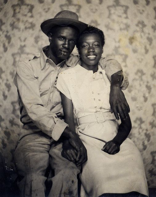 Loving couple_probably 1940s