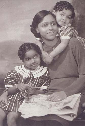 Mother and her children_1930s