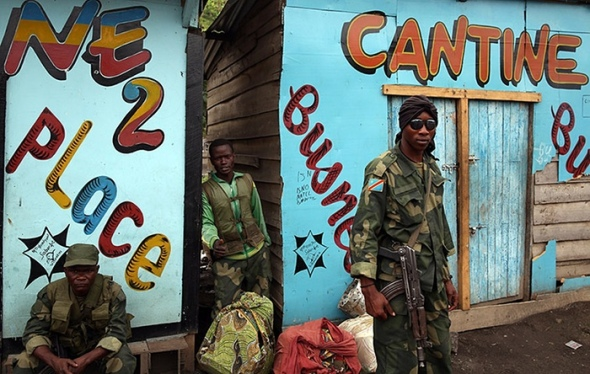 Photographer Goran Tomasevic_picture of DRC armed forces soldiers in the town of Sake west of Goma_December 2012
