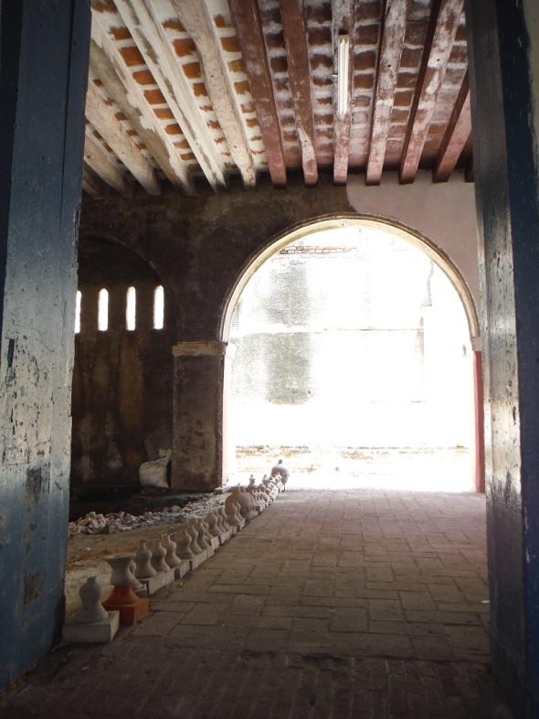 Detrás del Museo La Periquera en Holguín_Cuba_mayo de 2016